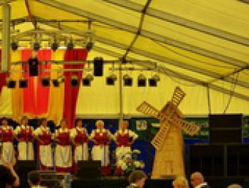 Galeria Razem tu i tam - wczoraj i dziś - Festyn Gminny w Kosorowicach
